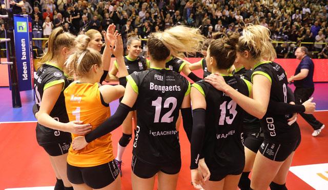 Ladies in Black schießen Tabellennachbarn Wiesbaden aus der Halle - Foto:  www.photo-steindl.com