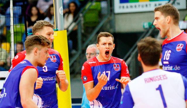 Volle Konzentration bei Zimmermann und Kollegen - Foto: United Volleys/Gregor Biskup