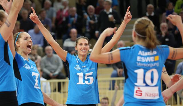VCW-Nationalspielerin Jennifer Pettke will mit ihrem Team am Mittwoch möglichst viele Punkte bejubeln<br>Foto: Detlef Gottwald