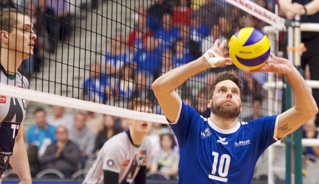 Simon Tischer glaubt an sein Team und weiß, dass die Mannschaft anders auftreten kann <br>Foto: Günter Kram