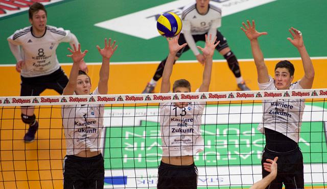 YoungStars gewinnen hellwach mit 3:0 - Foto: Günter Kram