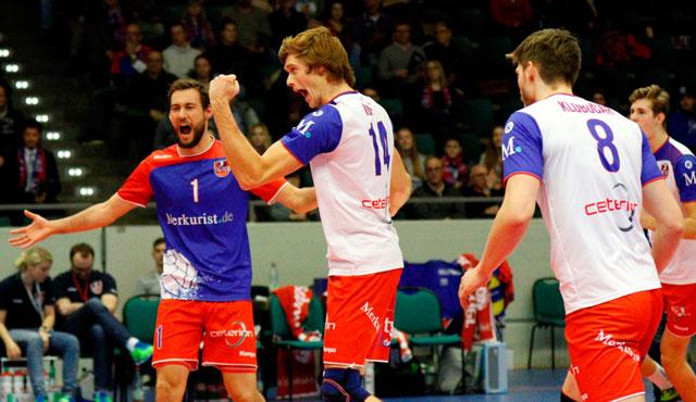 "Gnadenloser ""Baby-Block""   - Foto: United Volleys/Gregor Biskup"