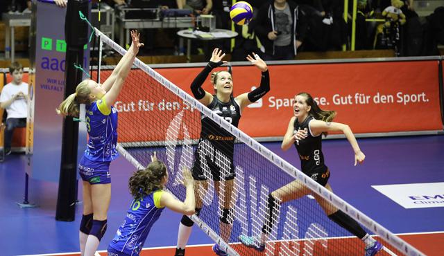 Aachen: Vollgas gegen Schwerin! - Foto: Ladies in Black Aachen