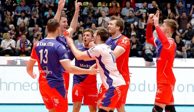 Ein Blockbuster und 11 Asse - Foto: United Volleys/Manfred Neumann
