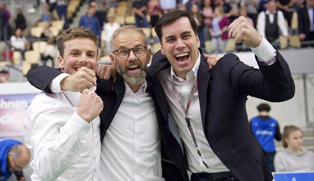 Jubelt bald für den TSV Unterhaching: Patrick Steuerwald (links) verlässt den VfB Friedrichshafen<br>Foto: Kram