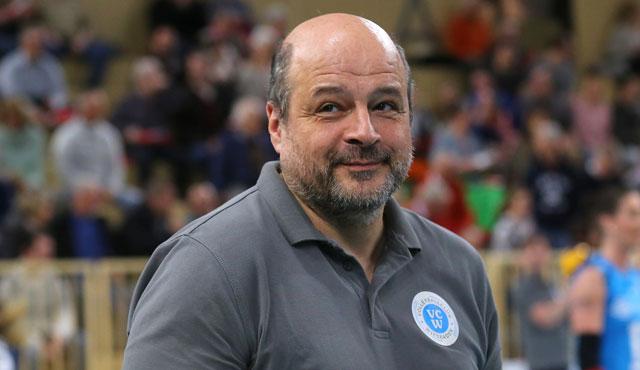 VC Wiesbaden sichert sich Volleyball-Kompetenz: Detlev Schönberg bleibt Mitglied des Trainerteams - Foto: Detlef Gottwald