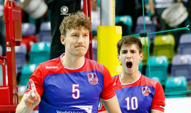 United Volleys feiern beim 3:0 gegen Düren ihren fünften Saisonsieg - Foto: Gregor Biskup
