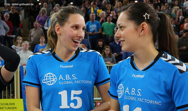 VCW-Mittelblockerin und deutsche Nationalspielerin Jennifer Pettke spielt auch in Saison 2015/16 für den VC<br>Foto: Detlef Gottwald