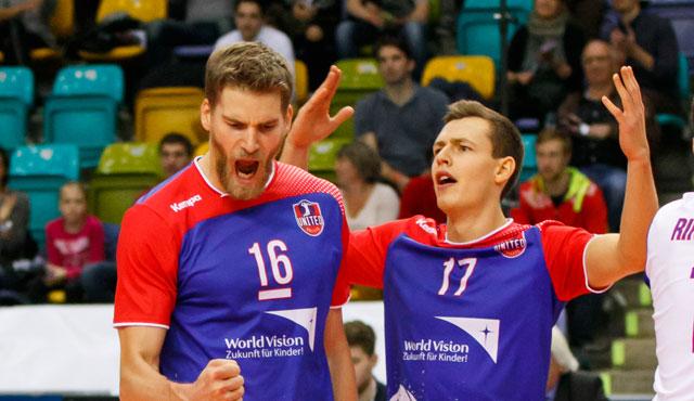 Gemeinsam für die Nationalmannschaft nominiert: Christian Dünnes (links) und Jan Zimmermann<br>Foto: United Volleys