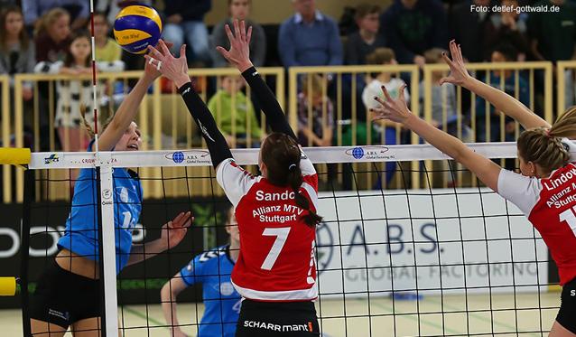 Nationalspielerin Jennifer Pettke reist selbstbewusst mit ihrem VCW-Team nach Stuttgart und möchte mit Pokalfinalisten die offene Rechnung begleichen<br>Foto: Detlef Gottwald