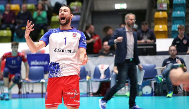 """Bayern werden zum """"Bauer-Opfer"""" - Foto: United Volleys/Gregor Biskup"""