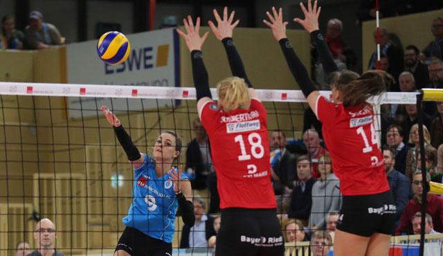 21 Punkte gehen auf das Konto von Dora Grozer (links<br>Foto: Detlef Gottwald