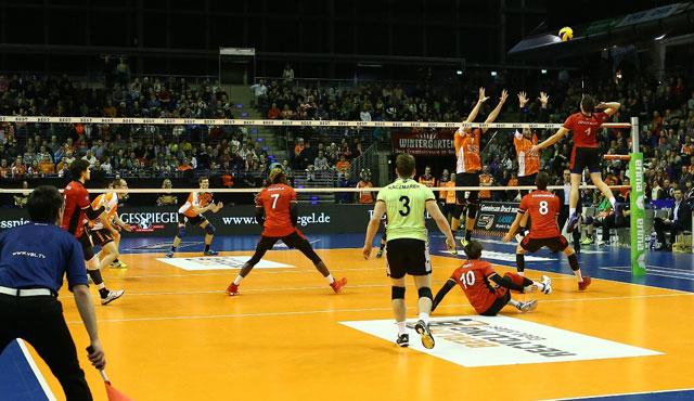 Playoff-Auftakt mit Jubiläum - Foto: Eckhard Herfet