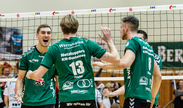Netzhoppers überragen beim 3:0-Heimsieg mit Neuzugang - Foto: Gerold Rebsch