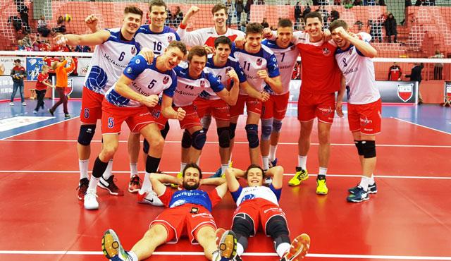 Goldener Ringseis wird zum Wiederholungstäter   - Foto: United Volleys