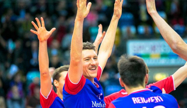 """Mit vier Blocks allein in Satz zwei wurde Lukas Bauer """"Sports&Travel MVP"""" und Topscorer der Uniteds<br>Foto: United Volleys/Gregor Biskup"""