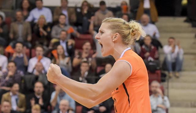 Lisa Thomsen ist Libero beim Allianz MTV Stuttgart und in der Nationalmannschaft<br>Foto: Tom Bloch, www.tombloch.de