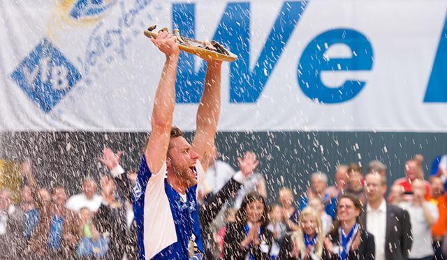 Simon Tischer freut sich auf das was kommt - Siege sollen in ausverkaufter ZF Arena her<br>Foto: Günter Kram