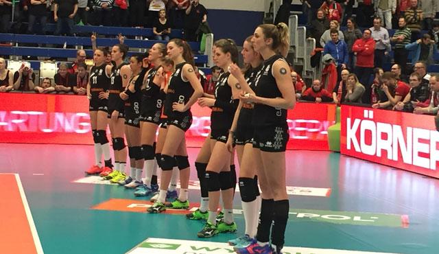 Aachen unterliegt in Dresden mit 1:3  - Foto: Ladies in Black Aachen