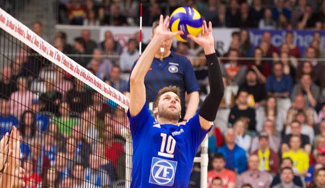 Simon Tischer verlängert seinen Vertrag um ein weiteres Jahr <br>Foto: Günter Kram