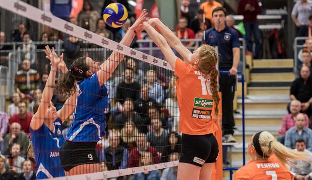 Straubings Volleyballerinnen überzeugten bei 3:0 Erfolg auf ganzer Linie - Foto: Schindler