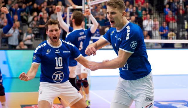 Simon Tischer (links) zeigt sich selbstbewusst für das Pokalfinale<br>Foto: Günter Kram