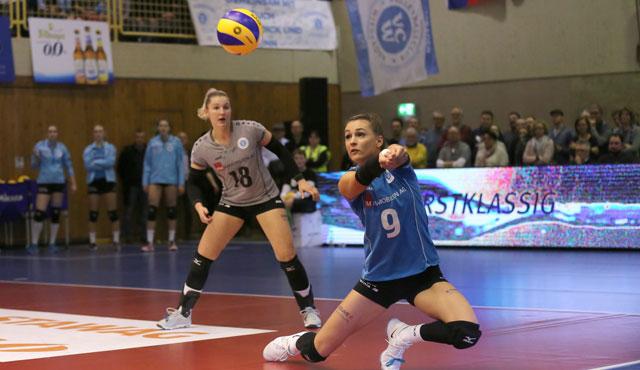 Fanden wir ihre Teamkolleginnen nicht ins Spiel: Dora Grozer (re.) und Lisa Stock<br>Foto: Detlef Gottwlad