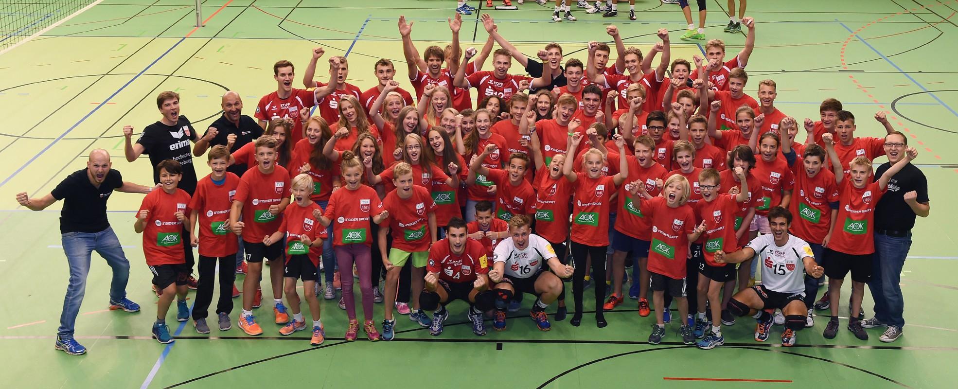 Bundesligaprofis sind Deine Coaches: Jetzt zum AOK-volleycamp des TVR anmelden - Foto: TVR Volleyball