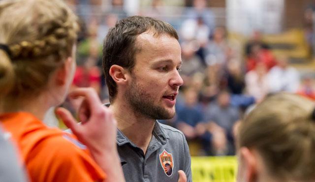 Wege von NawaRo Straubing und Trainer Andreas Urmann trennen sich nach Saisonende - Foto: Harry Schindler