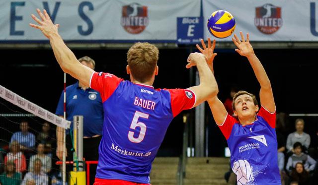 Perfektes Zusammenspiel demonstrierten Jan Zimmermann und Lukas Bauer zuletzt beim Auswärtssieg in Düren<br>Foto: United Volleys/Gregor Biskup