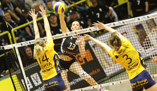 Raus mit Applaus: Ladies in Black unterliegen Schwerin knapp mit 2:3 - Foto: Ladies in Black Aachen