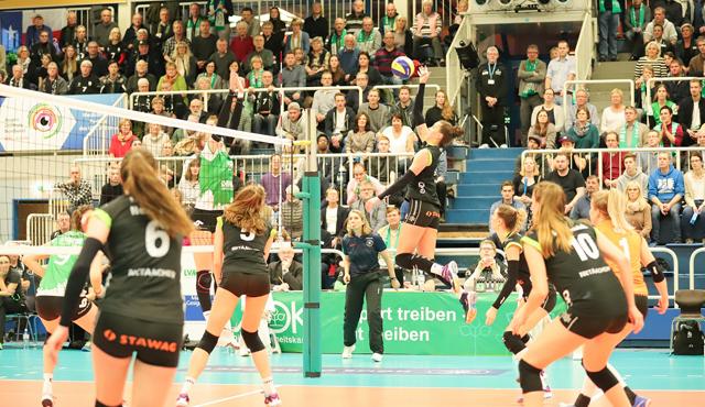 Aachen gewinnt in Münster 3:2 - Foto: Ladies in Black