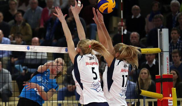 VC Wiesbaden feiert sensationellen Sieg im Europapokal - Foto: Detlef Gottwald
