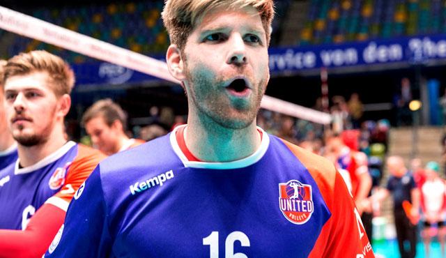 Diesmal mehr als zwei Sätze lang aktiv am Erfolg beteiligt: United-Kapitän Sebastian Schwarz<br>Foto: United Volleys/Manfred Neumann