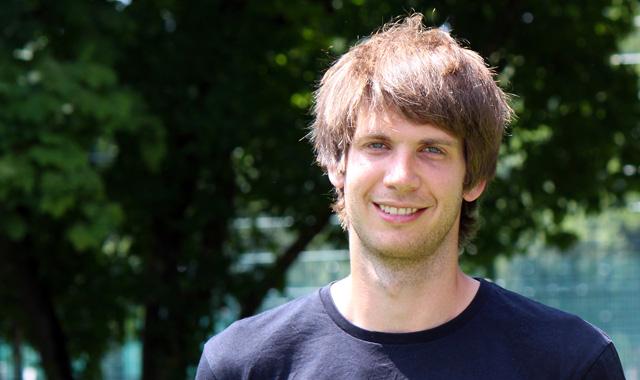 Spieler Nummer elf für den TVR: Felix Isaak macht die Mitte zu - Foto: Philipp Vollmer
