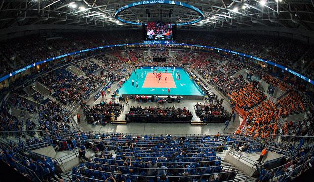 Mit 1.150 Fans nach Mannheim: VC Wiesbaden bereitet sich aufs Pokalfinale vor  - Foto: Conny Kurth