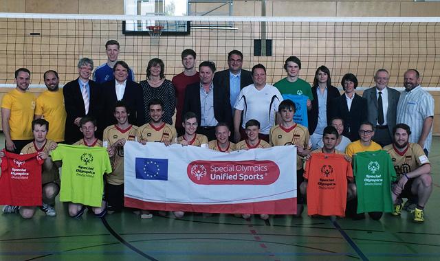 Trikots für Special Olympics Team - Foto: Günter Kram
