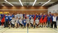 Nach der unterhaltsamen Pokal-Partie stellten sich Erst- und Zweitligaspieler zum gemeinsamen Gruppenfoto auf. Foto: United Volleys