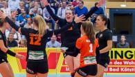 arina Aulenbrock (3. Von rechts) bot eine starke Leistung und führte ihr Team zum Sieg gegen den VCO Dresden Foto: Schindler
